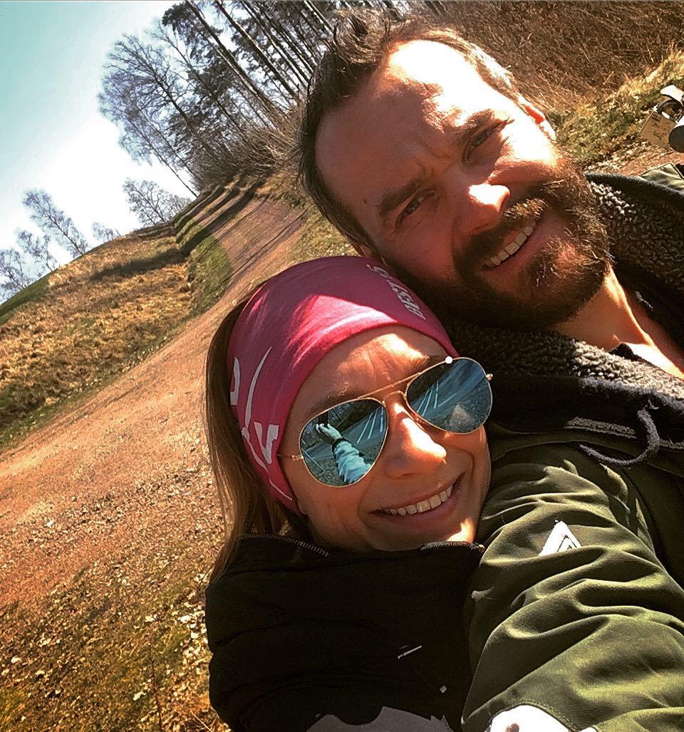 Isabelle och Jakob från Main Home lever ett fritt och tryggt liv med flera inkomstflöden